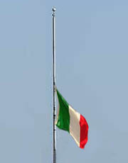 bandiera-mezz-asta-1